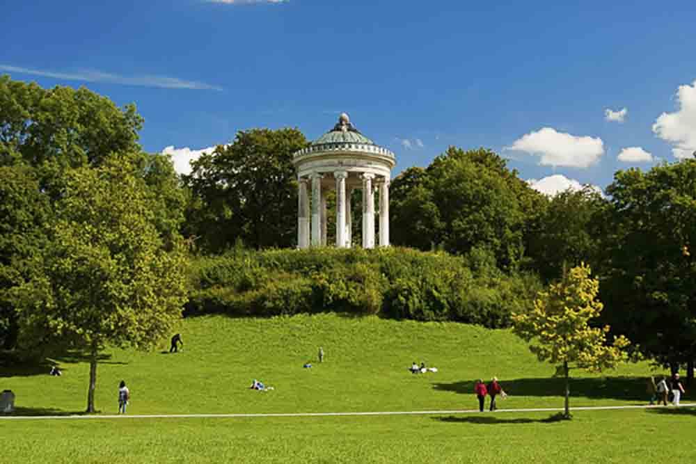 Take A Stroll Through The Beautiful Green English Garden